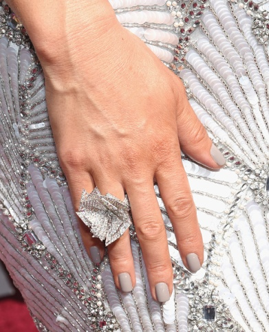 ring detail, wears a custom Christian Siriano for Stella Artois gown inspired by the limited-edition Chalices benefiting Water.org during the 88th Annual Academy Awards at Hollywood & Highland Center on February 28, 2016 in Hollywood, California. (Photo by Ethan Miller/Getty Images)
