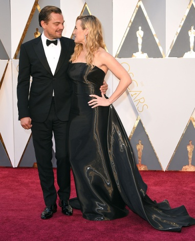 HOLLYWOOD, CA - FEBRUARY 28: Leonardo DiCaprio and Kate Winslet arrives at the 88th Annual Academy Awards at Hollywood & Highland Center on February 28, 2016 in Hollywood, California. (Photo by Steve Granitz/WireImage)