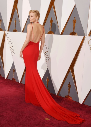HOLLYWOOD, CA - FEBRUARY 28: Actress Charlize Theron arrives at the 88th Annual Academy Awards at Hollywood & Highland Center on February 28, 2016 in Hollywood, California.(Photo by Jeffrey Mayer/WireImage)