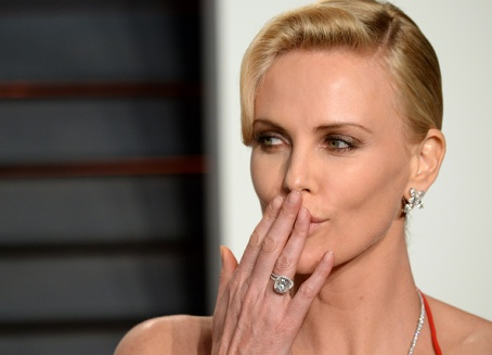 BEVERLY HILLS, CA - FEBRUARY 28: Charlize Theron attends the 2016 Vanity Fair Oscar Party hosted By Graydon Carter at Wallis Annenberg Center for the Performing Arts on February 28, 2016 in Beverly Hills, California. (Photo by Anthony Harvey/Getty Images)